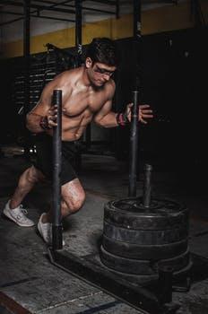 Whey Protein, Creatin, Fatburners beim Muskelaufbau